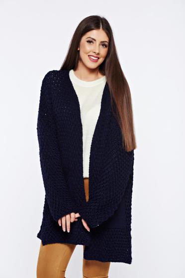 Cardigan albastru tricotat cu buzunare in fata