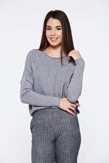 Pulover gri casual tricotat cu croi larg din material raiat