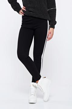Pantaloni casual conici cu talie inalta cu dungi verticale albe