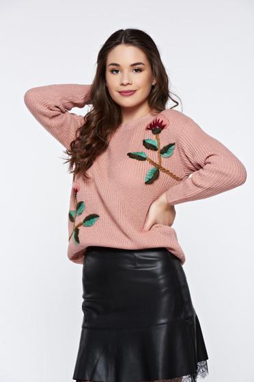 Pulover rosa casual tricotat cu aplicatii florale cu croi larg