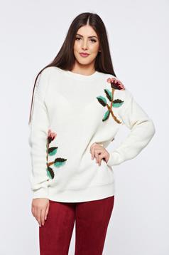 Pulover alb casual tricotat cu aplicatii florale cu croi larg