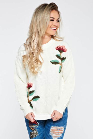 Pulover alb casual cu croi larg din material tricotat cu broderie