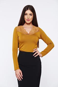Bluza dama mustarie eleganta mulata cu aplicatii de dantela