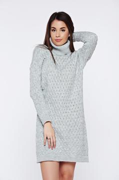 Rochie gri casual tricotata cu croi larg pe gat