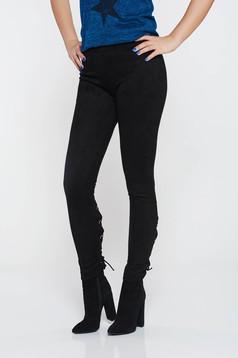 Pantaloni negri casual conici din velur cu talie joasa accesorizati cu snur
