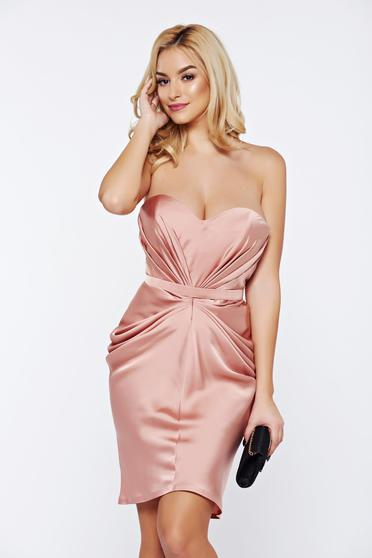 Rochie Ana Radu rosa de lux din material satinat incretit cu bust buretat