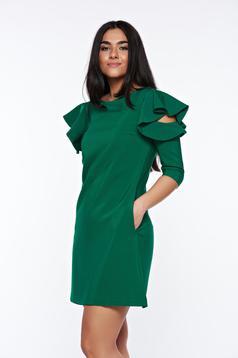 Rochie LaDonna verde-deschis cu croi larg cu volanase la maneca