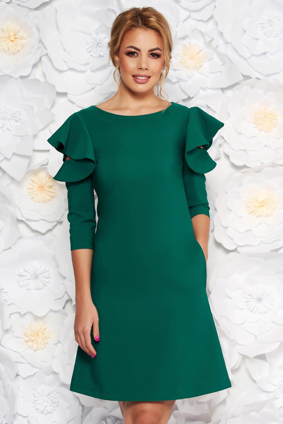 Rochie LaDonna verde-deschis cu croi larg din stofa usor elastica cu volanase la maneca