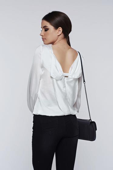 Bluza dama PrettyGirl alba eleganta cu spatele decupat cu aspect satinat