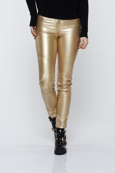 Pantaloni Ocassion aurii casual cu talie medie cu aspect metalic