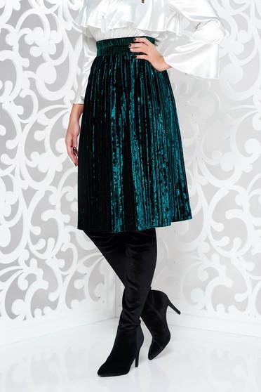 Fusta Artista verde eleganta in clos din catifea plisata cu elastic in talie