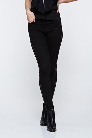 Pantaloni Top Secret negri casual conici cu talie medie cu buzunare
