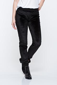 Pantaloni PrettyGirl negri casual din catifea cu elastic in talie
