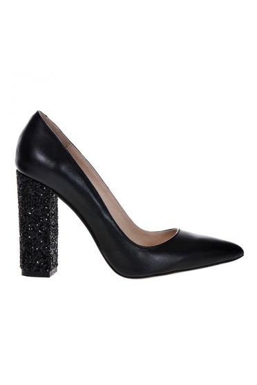 Pantofi negri din piele naturala elegant cu toc gros cu varful usor ascutit