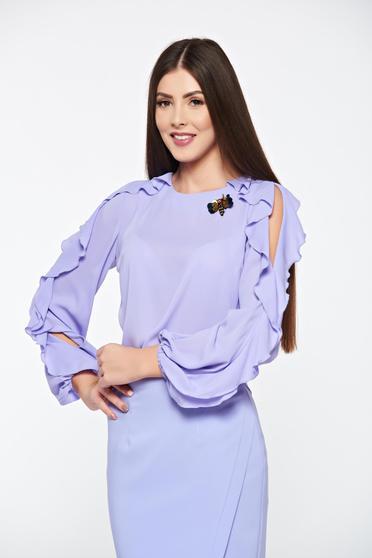 Bluza dama LaDonna lila eleganta din material vaporos accesorizata cu brosa