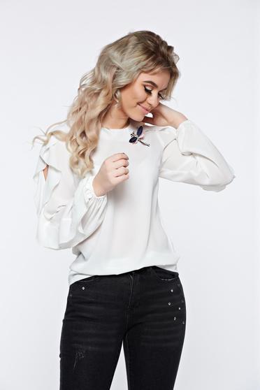 Bluza dama LaDonna alba eleganta din material vaporos accesorizata cu brosa