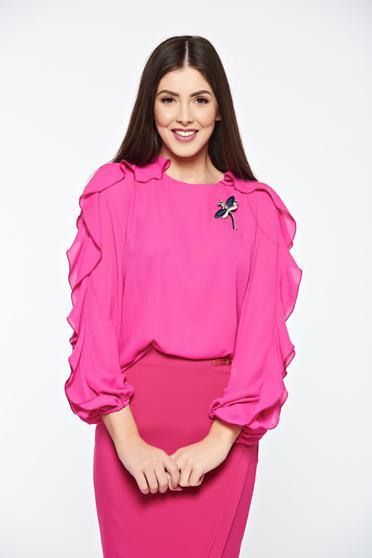 Bluza dama LaDonna roz eleganta din material vaporos accesorizata cu brosa