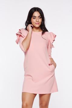 Rochie LaDonna rosa cu croi larg din stofa usor elastica cu volanase la maneca