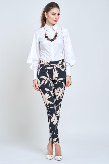 poze cu Pantaloni PrettyGirl negri conici din material elastic cu talie medie