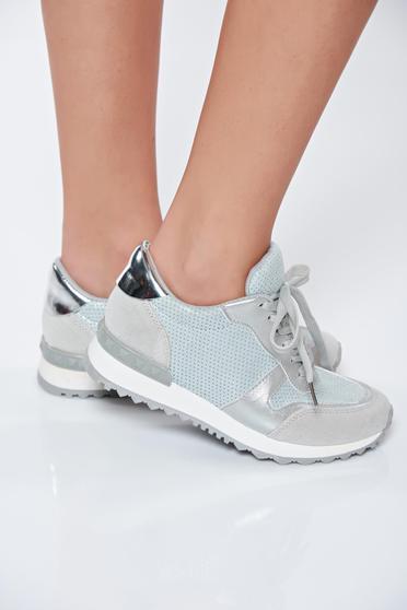 Pantofi sport argintiu casual cu talpa usoara din material lucios cu siret