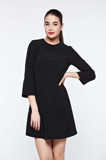 Rochie PrettyGirl neagra eleganta cu croi larg accesorizata cu o fundita