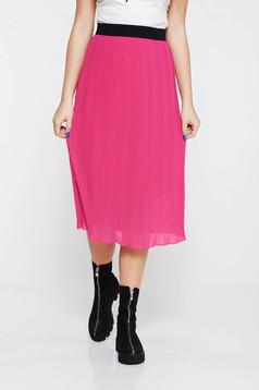 Fusta roz casual plisata cu elastic in talie captusita pe interior