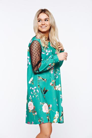 Rochie verde de zi cu croi larg din material elastic cu aplicatii de dantela