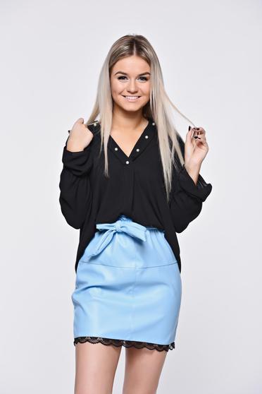 Bluza dama neagra asimetrica cu croi larg cu decolteu in v cu aplicatii cu margele
