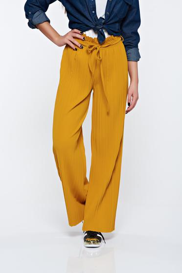 Pantaloni mustarii plisati cu talie inalta din material vaporos cu elastic in talie