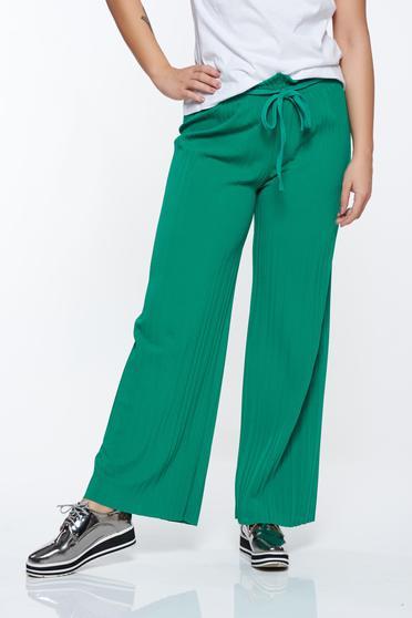 Pantaloni verzi plisati cu talie inalta din material vaporos cu elastic in talie