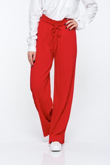 Pantaloni rosii plisati cu talie inalta din material vaporos cu elastic in talie