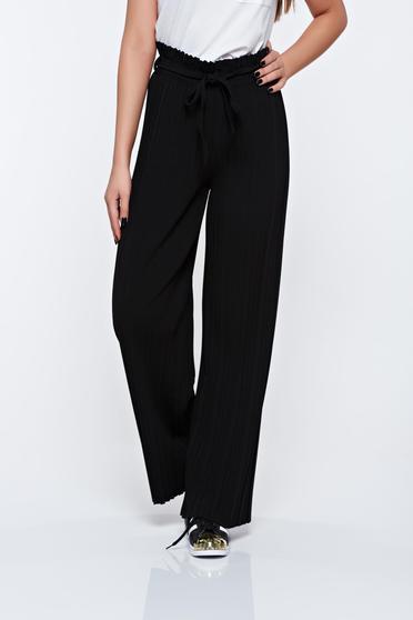 Pantaloni negri plisati cu talie inalta din material vaporos cu elastic in talie