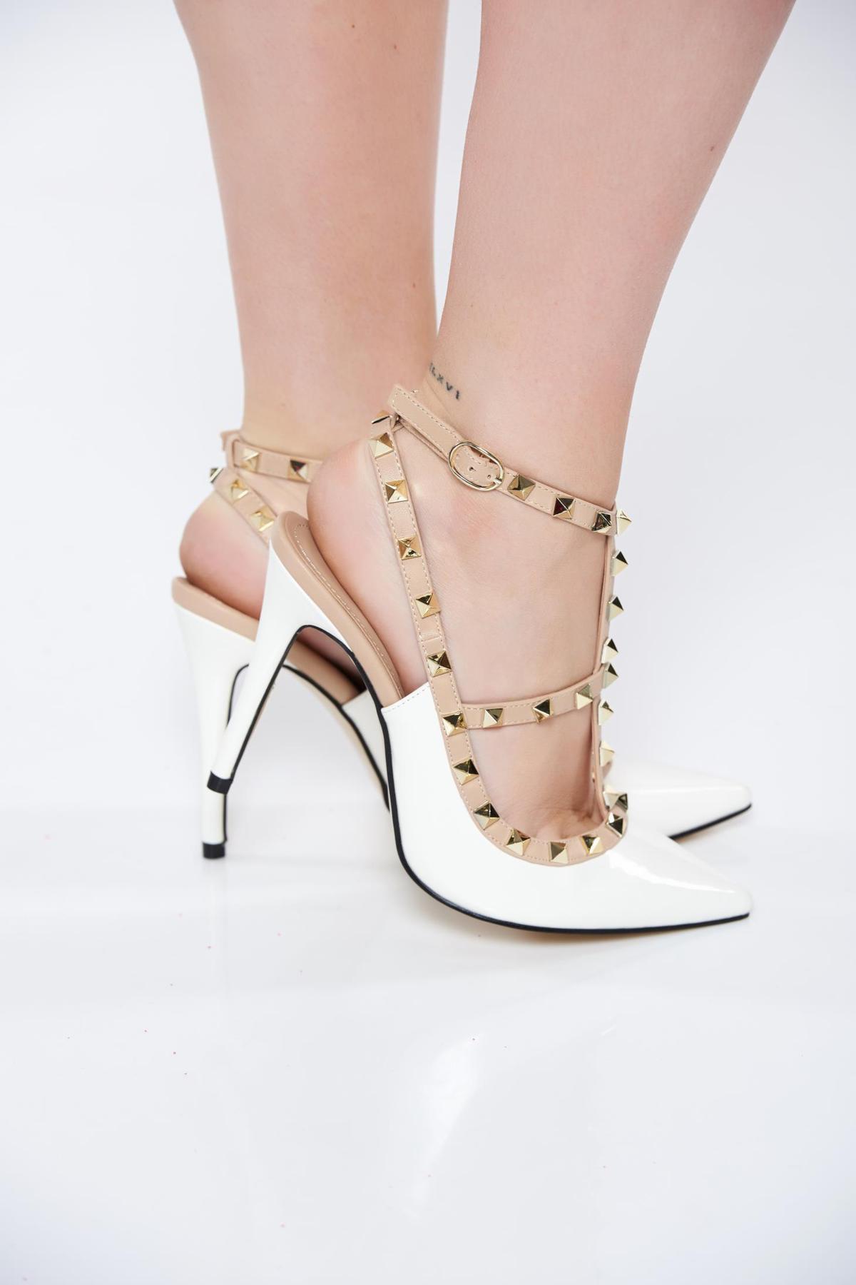 Pantofi stiletto albi eleganti din piele ecologica lacuita cu toc inalt si tinte metalice