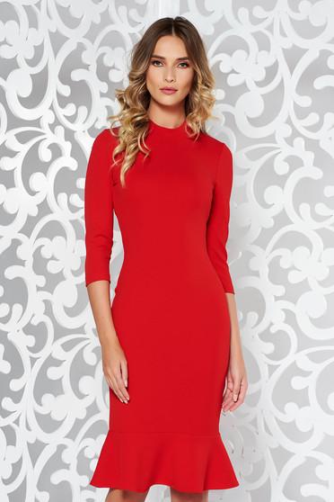 Rochie StarShinerS rosie eleganta cu un croi mulat din material elastic cu volanase la baza rochiei