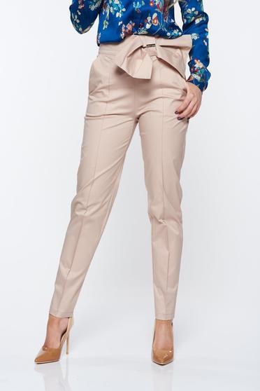 Pantaloni PrettyGirl nude office conici cu talie inalta din material usor elastic