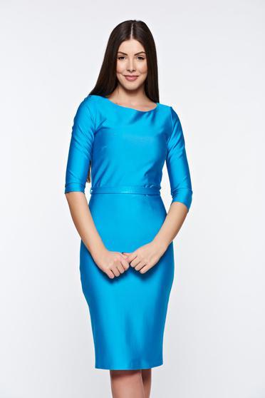 poze cu Rochie PrettyGirl albastra eleganta tip creion din material elastic accesorizata cu cordon
