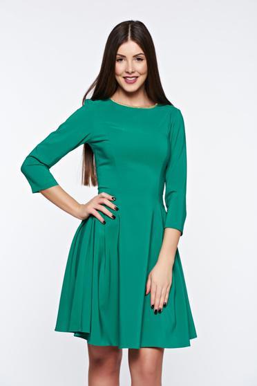 Rochie LaDonna verde eleganta in clos din material elastic cu aplicatii la gat