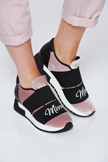 poze cu Pantofi sport MissQ rosa casual cu talpa usoara din catifea si interior din piele