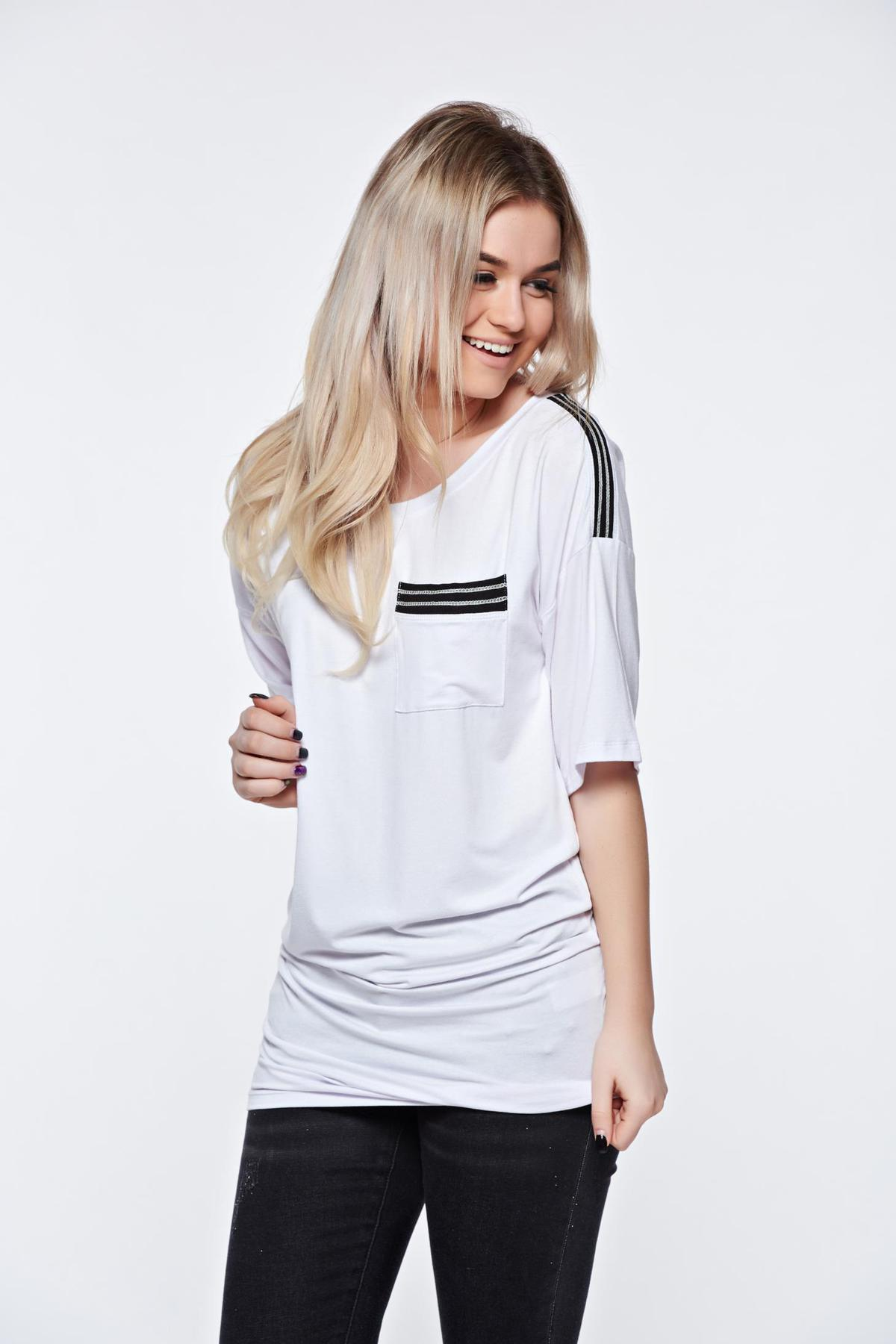 Tricou MissQ alb casual lung din material usor elastic