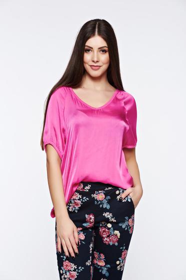 poze cu Tricou roz casual asimetric cu croi larg din material satinat