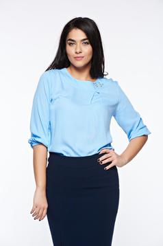Bluza dama LaDonna albastra-deschis eleganta cu croi larg din material vaporos cu aplicatii cusute manual