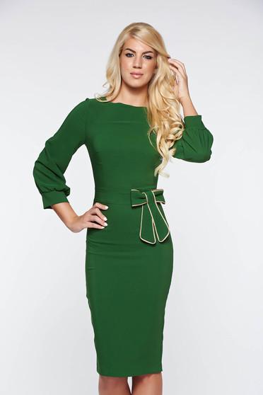 Rochie PrettyGirl verde eleganta tip creion din material usor elastic cu fundita