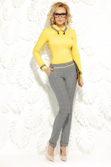 Pantaloni Fofy galbeni office conici cu talie medie din stofa usor elastica cu buzunare