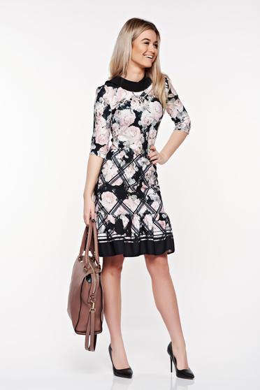 Rochie StarShinerS rosa eleganta din material elastic cu volanase la baza rochiei