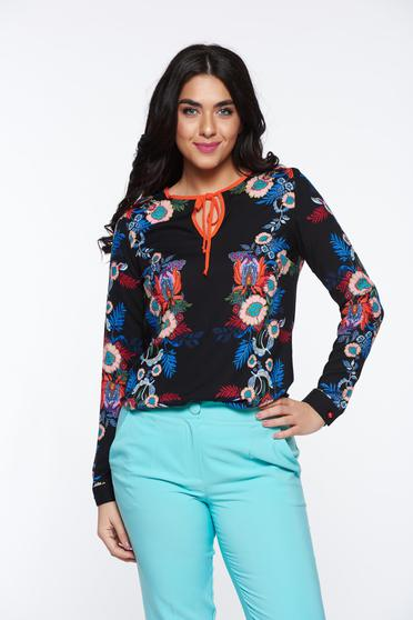 Bluza dama PrettyGirl neagra cu croi larg din material vaporos cu imprimeuri florale