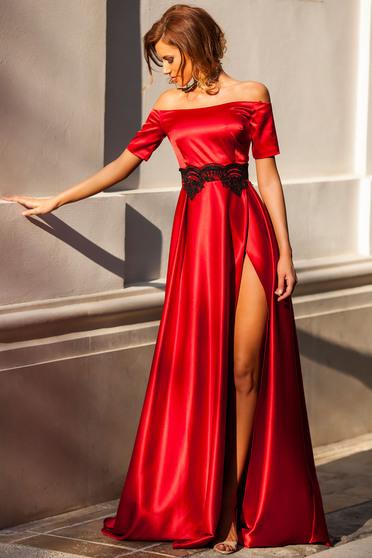Rochie Artista rosie de ocazie in clos din material satinat cu aplicatii de dantela