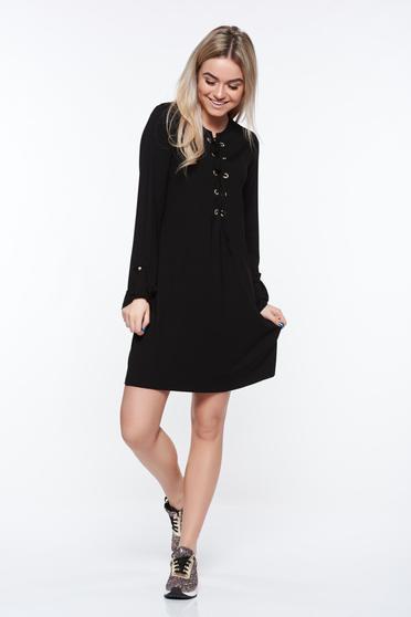 Rochie MissQ neagra casual cu croi larg din material elastic si fin accesorizata cu snur