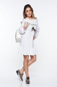 Rochie MissQ alba casual cu croi larg din material elastic cu volanase la baza rochiei