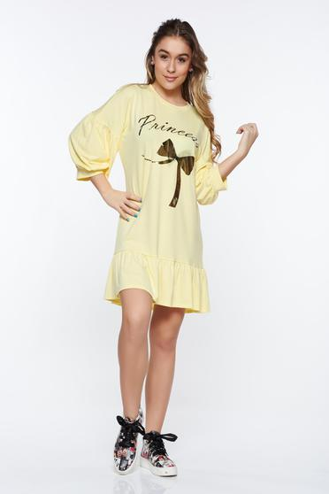 Rochie MissQ galbena casual cu croi larg din material elastic cu volanase la baza rochiei