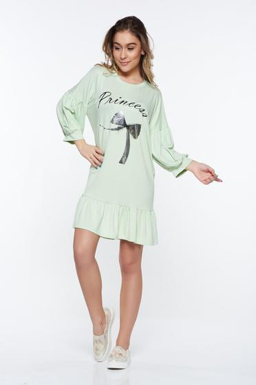 Rochie MissQ verde-deschis casual cu croi larg din material elastic cu volanase la baza rochiei